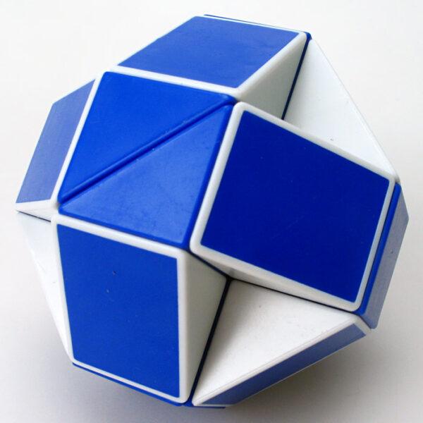 聖手魔尺藍白