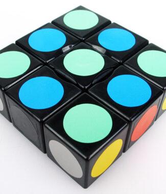 藍藍 133 不等階黑色白色魔術方塊一三三一 331 異形