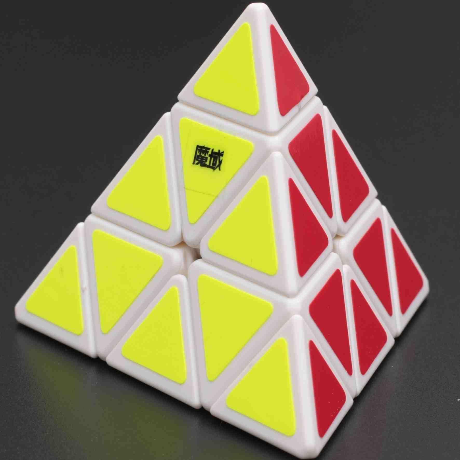 FO 永駿魔域金字塔三階黑白色魔術方塊 3階 pyraminx 祈禱塔 異形 玩具